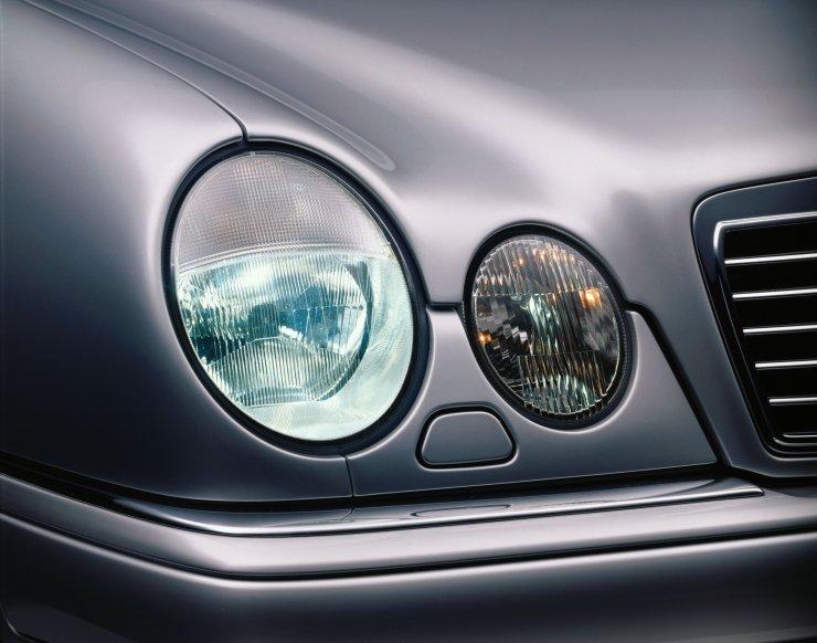 Mercedes_3206205.jpg.f2a54fbd18322afad9b